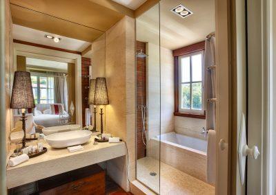 Baño habitación Zumaia